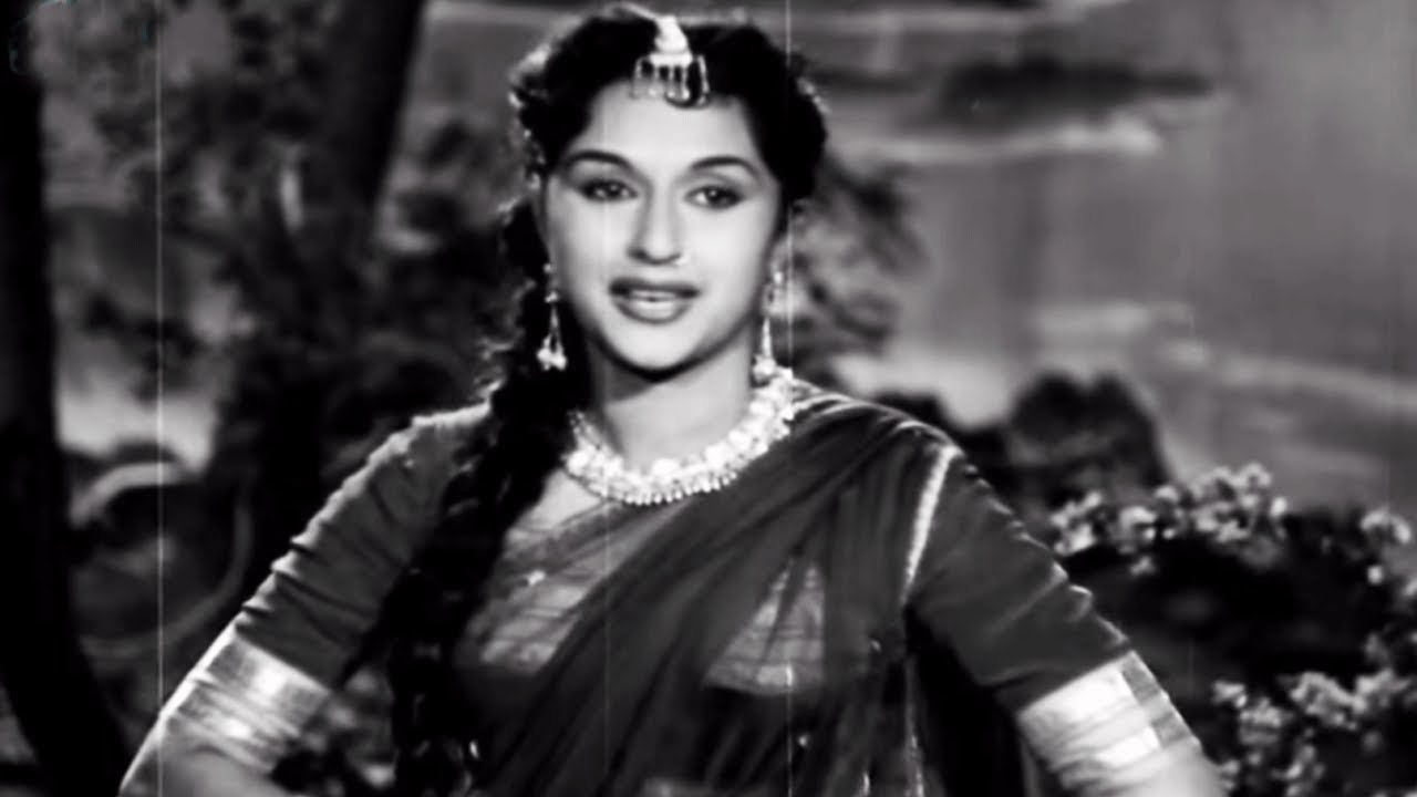 Aayi Jhoom Ke Bahaar Lyrics - Lata Mangeshkar, Talat Mahmood