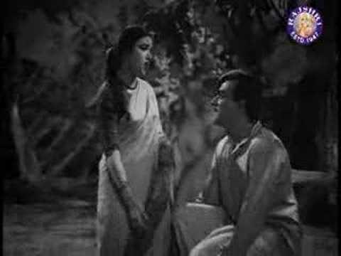Apni Ulfat Pe Zamaane Lyrics - Lata Mangeshkar, Mukesh Chand Mathur (Mukesh)