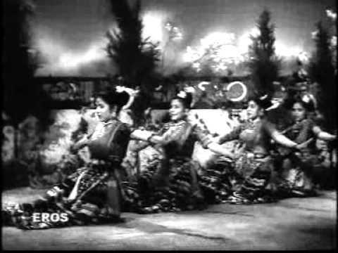 Baakad Bam Bam Baaje Lyrics - Lata Mangeshkar