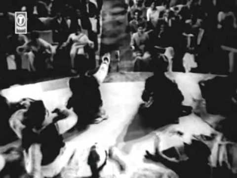 Baat Ka Afsana Bana Dete Hai Lyrics - Mohammed Rafi, Prabodh Chandra Dey (Manna Dey)