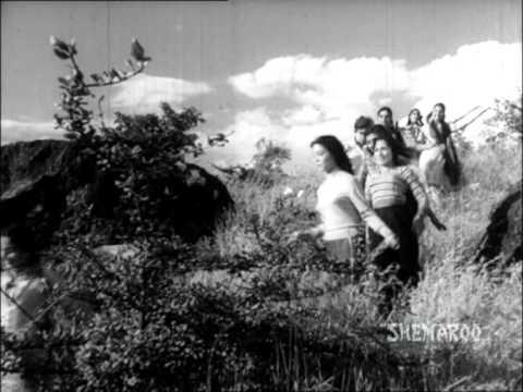 Bachpan O Bachpan Pyare Lyrics - Lata Mangeshkar