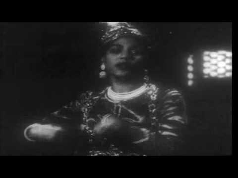 Balma Nadan Lyrics - Lata Mangeshkar