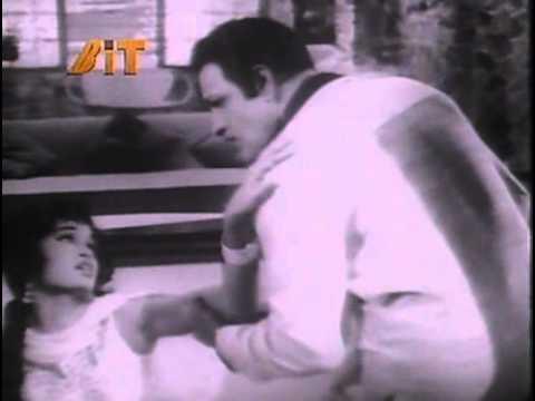 Bhari Mahfil Me Kya Aise Lyrics - Asha Bhosle
