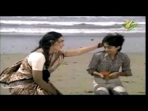 Chhota Sa Bhaiya Hamara Lyrics - Lata Mangeshkar