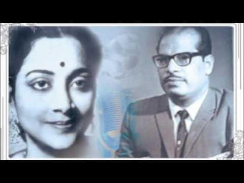 Dhanya Dhanya Hai Lyrics - Geeta Ghosh Roy Chowdhuri (Geeta Dutt), Prabodh Chandra Dey (Manna Dey)