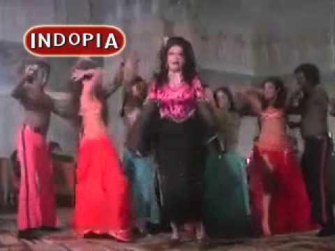 Do Milte Toh Kasam Khuda Ki Lyrics - Asha Bhosle, Om Prakash Sharma