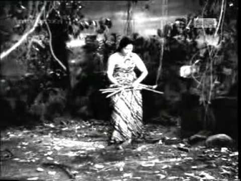 Giridhaari Mhaane Chaakar Raakho Ji Lyrics - Lata Mangeshkar