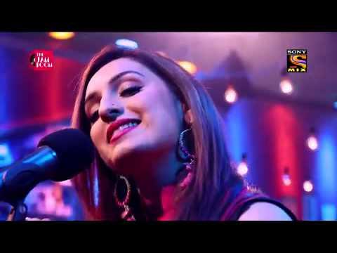 Haule Haule Chalo Lyrics - Akriti Kakar