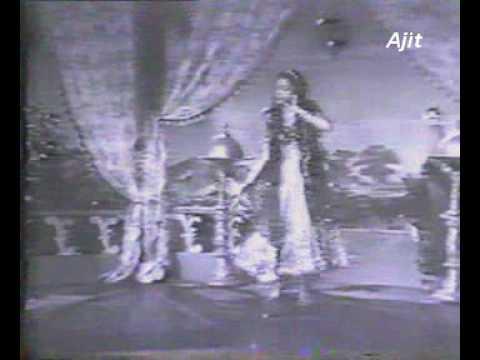 Jhan Jhan Paayal Baaje Lyrics - Lata Mangeshkar