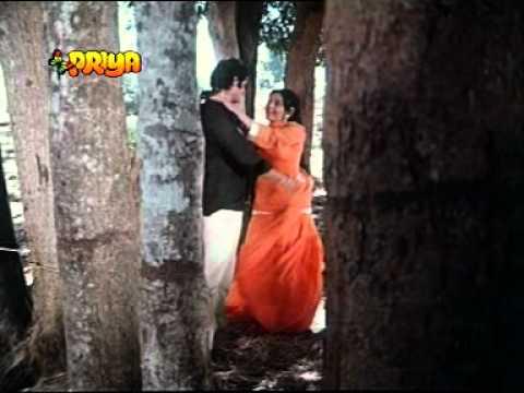 Jhukti Ghata Humse Kahe Lyrics - Jagjeet Kaur, Mahendra Kapoor
