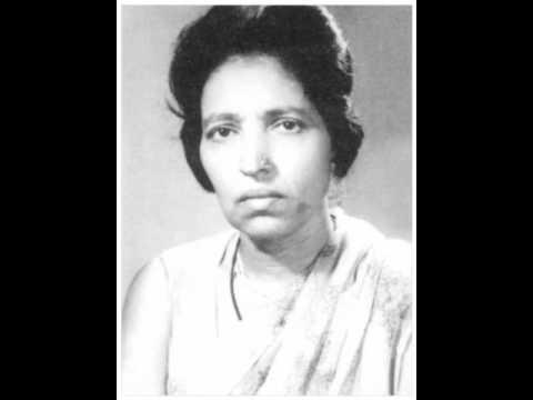 Kaliyon Ko Chumun Lyrics - Mubarak Begum