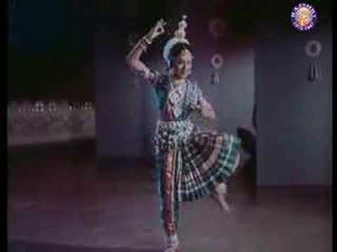 Kar Singar Aise Lyrics - Aarti Mukherji, Sulakshana Pandit (Sulakshana Pratap Narain Pandit)