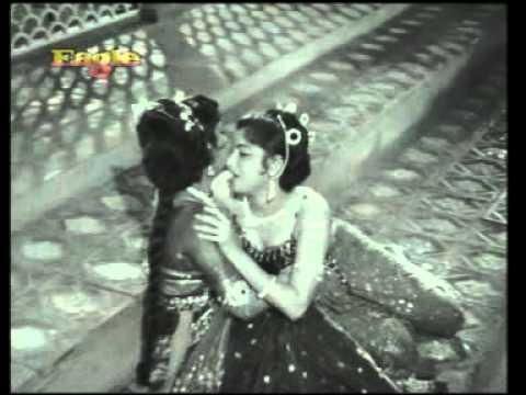 Kisne Chhu Liya Ang Ang Lyrics - Asha Bhosle