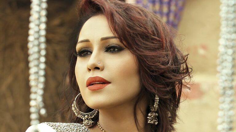 Koka Silver Da (Title) Lyrics - Mona Singh