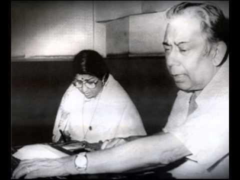 Kuchh Meri Nazar Madhosh Hai Lyrics - Lata Mangeshkar