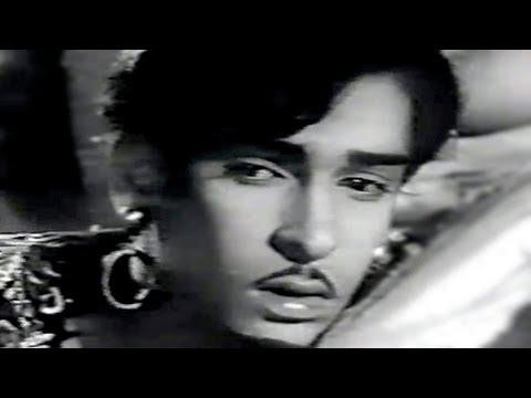 Maa Ko Kabhi Na Bhool Lyrics - Ira Majumdar