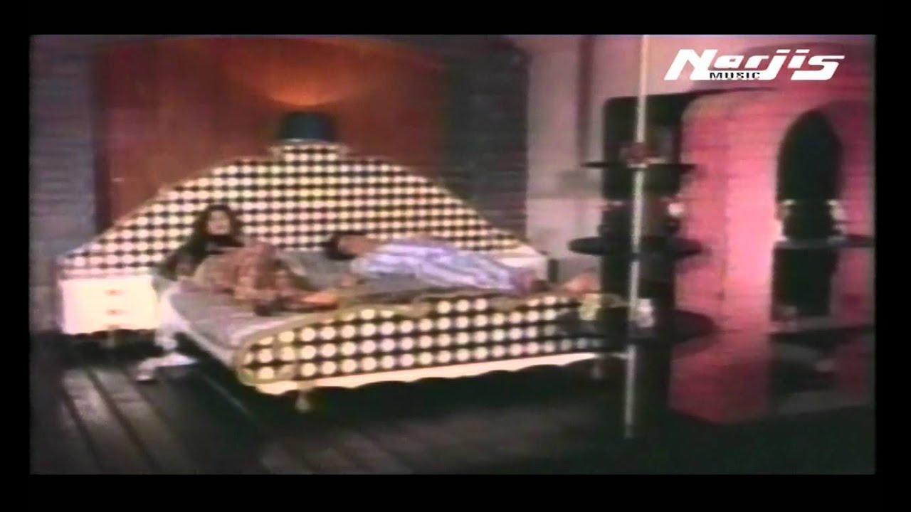 Maayus Bagbaan Ko Lyrics - Mohammed Rafi