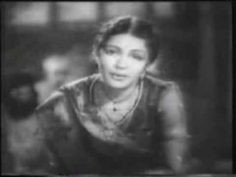 Main Haricharanan Ki Daasi Lyrics - Sitara Devi