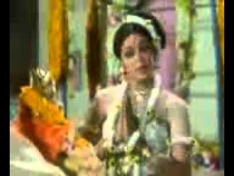 Main Phool Bechti Hoon Lyrics - Lata Mangeshkar