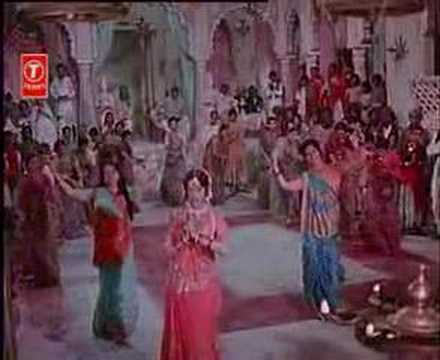 Main Toh Aarti Utaroon Re Lyrics - Usha Mangeshkar