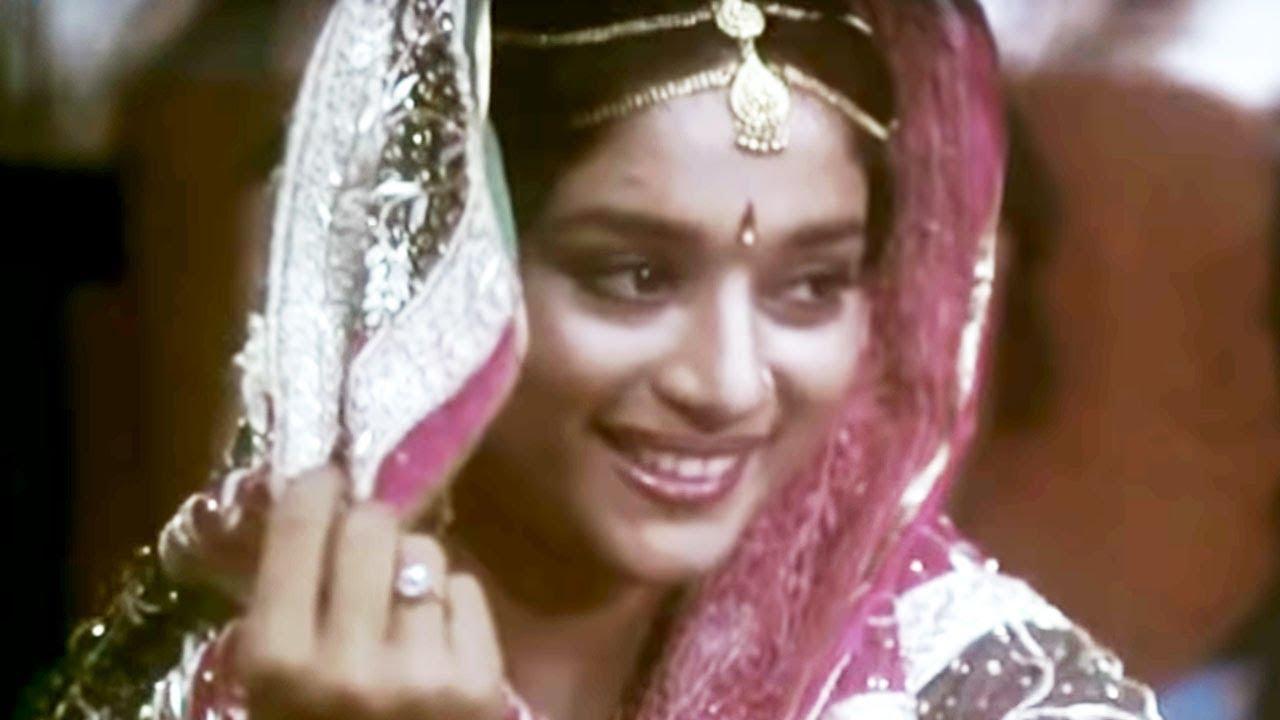 Mehendi Mehendi Lyrics - Aparna Mayekar