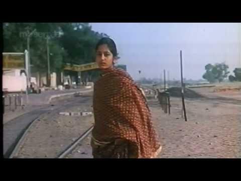 Mere Peeko Pawan Lyrics - Lata Mangeshkar