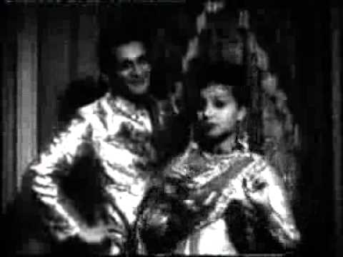 Meri Aayi Hain Tin Bhabhiya Lyrics - Amirbai Karnataki, Zohrabai Ambalewali