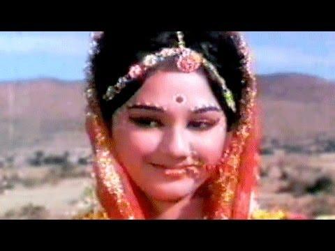 Meri Banno Meri Banno Lyrics - Asha Bhosle, Usha Mangeshkar