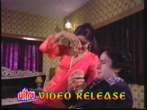 Mujhpe Bhi To Dalo Ek Nazar Lyrics - Asha Bhosle