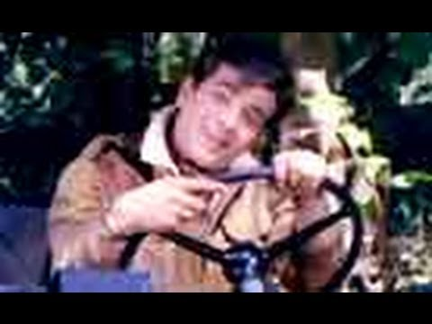 Muskura Ke Humko Lyrics - Asha Bhosle, Mukesh Chand Mathur (Mukesh)