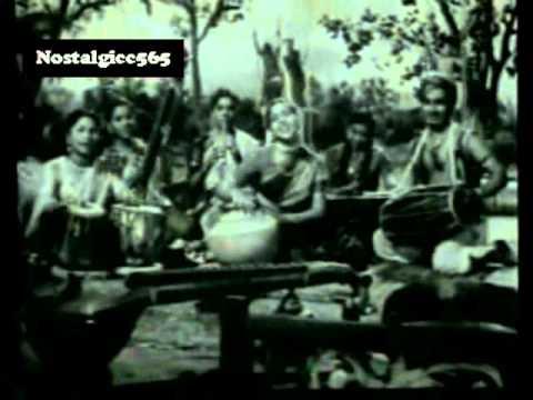 Nach Le Bawariya Lyrics - Asha Bhosle, S.Balbir