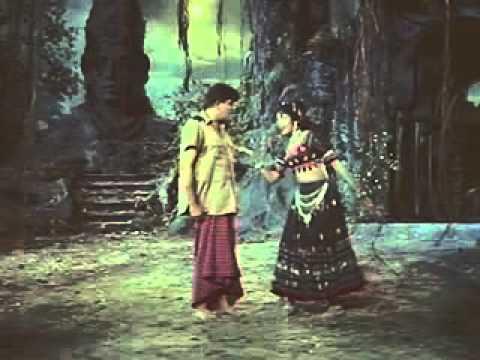 Nadan Ki Dosti Lyrics - Lata Mangeshkar