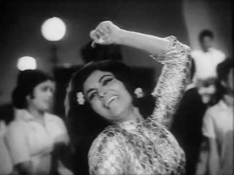 Nikolasa Mere Sang Jhum Le Zara Lyrics - Asha Bhosle