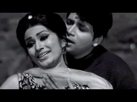 Pyar Koi Kam Kam Kare Lyrics - Asha Bhosle, Mohammed Rafi