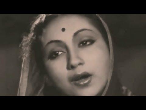 Pyara Hamara Munna Naino Ka Tara Lyrics - Lata Mangeshkar