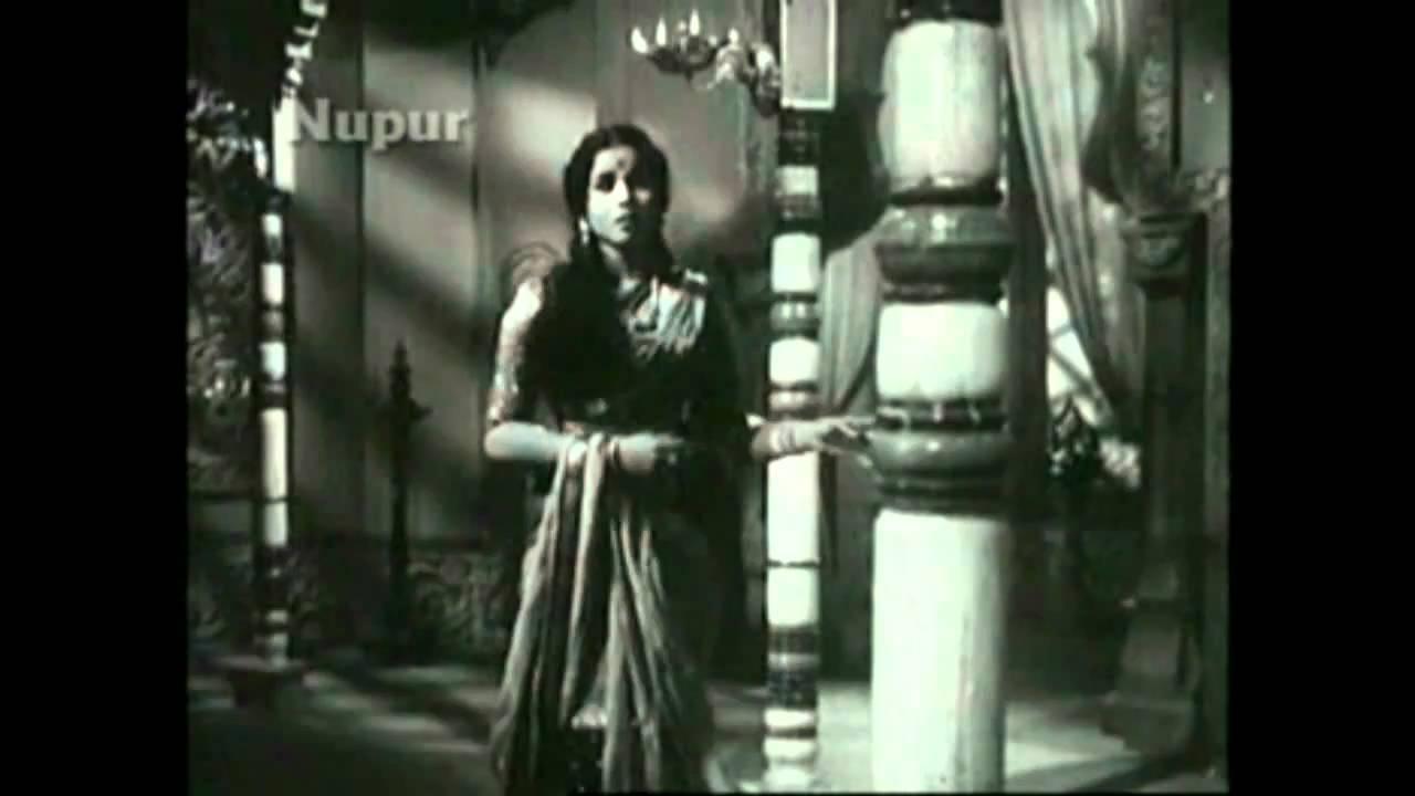 Reh Gayi Main Dekhti Lyrics - Asha Bhosle
