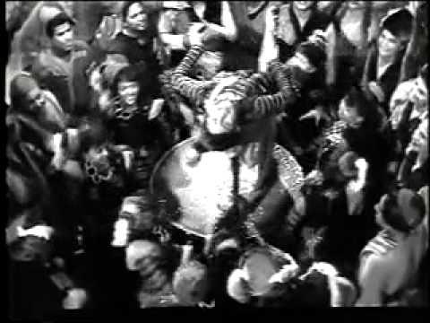 Rup Ki Rani Aayi Lyrics - Shamshad Begum