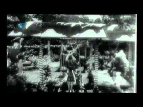Sakhi Aaya Sawan Aaya Lyrics - Amirbai Karnataki, Zohrabai Ambalewali