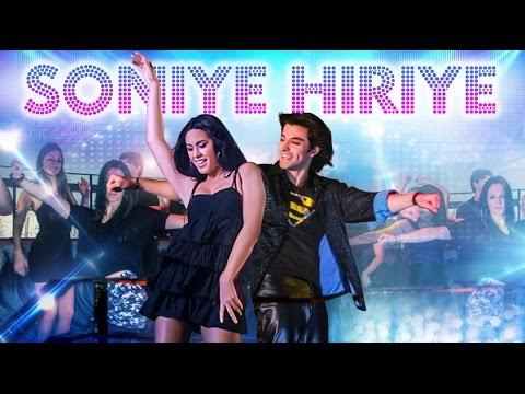 Soniye Hiriye Lyrics - Farhad Wadia, Richa Tirupati