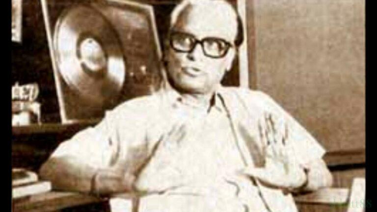 Sundar Hoon Sakhi Pag Lyrics - Bibbo