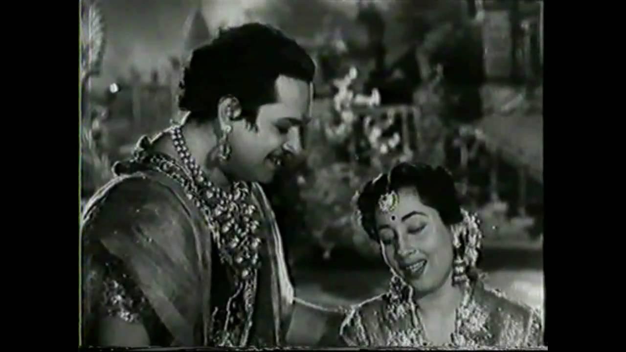 Tu Chanda Me Chandani Lyrics - Lata Mangeshkar, Mohammed Rafi
