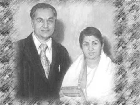 Wo Chand Chamka Lyrics - Lata Mangeshkar, Mukesh Chand Mathur (Mukesh)