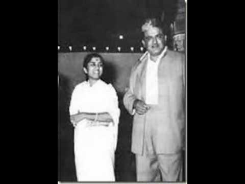 Ye Ae Ae Khilti Kali Koyi Le Lyrics - Lata Mangeshkar, Ramchandra Narhar Chitalkar (C. Ramchandra)