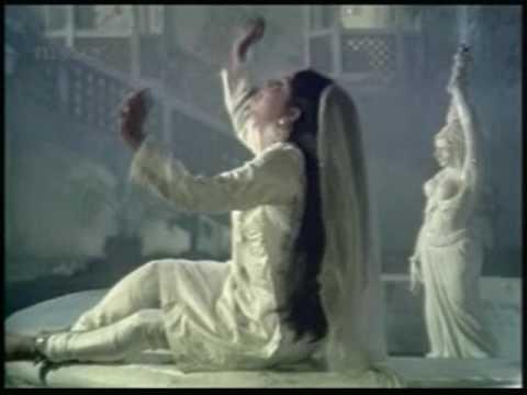 Ye Kaun Hansa Lyrics - Lata Mangeshkar