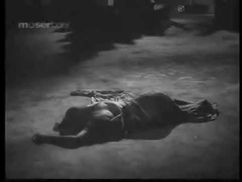 Yeh Kiska Lahu Hai Lyrics - Mahendra Kapoor
