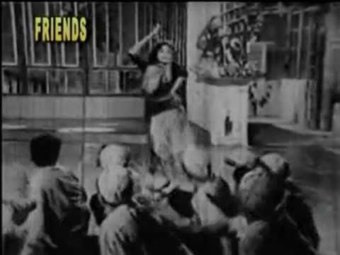 Aankh Milaakar Waar Karoongi Lyrics - Suman Kalyanpur