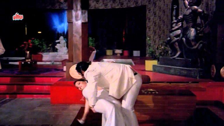 Achchha Hua Tum Mil Gaye Lyrics - Asha Bhosle