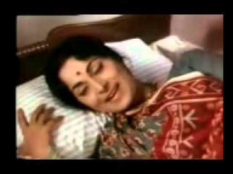 Ae Meri Aankhon Ke Pehele Sapne Lyrics - Lata Mangeshkar, Mukesh Chand Mathur (Mukesh)