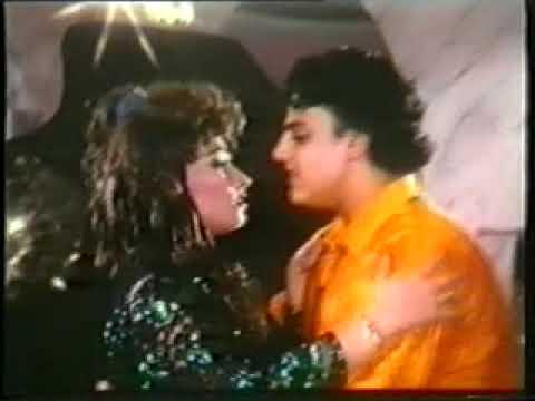 Chandni Chand Se Hoti Hai Lyrics - Asha Bhosle, Kishore Kumar