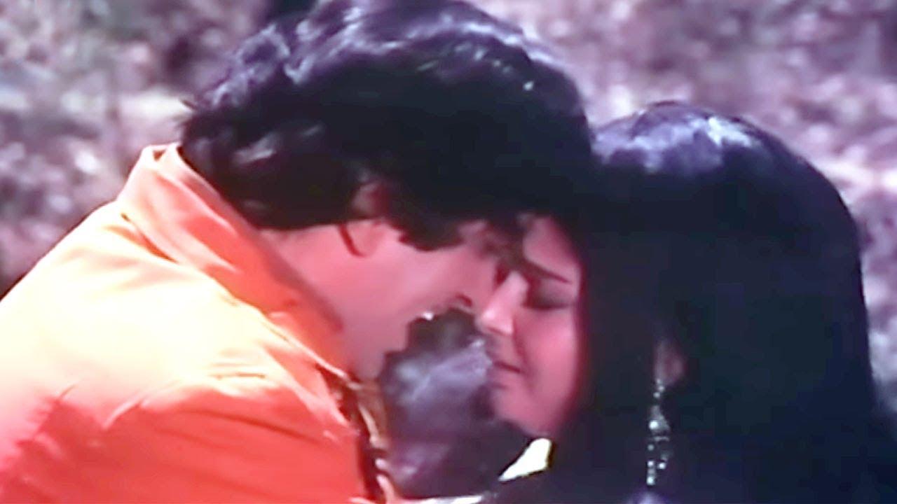 Mujhe Aisi Mili Hasina Lyrics - Kishore Kumar